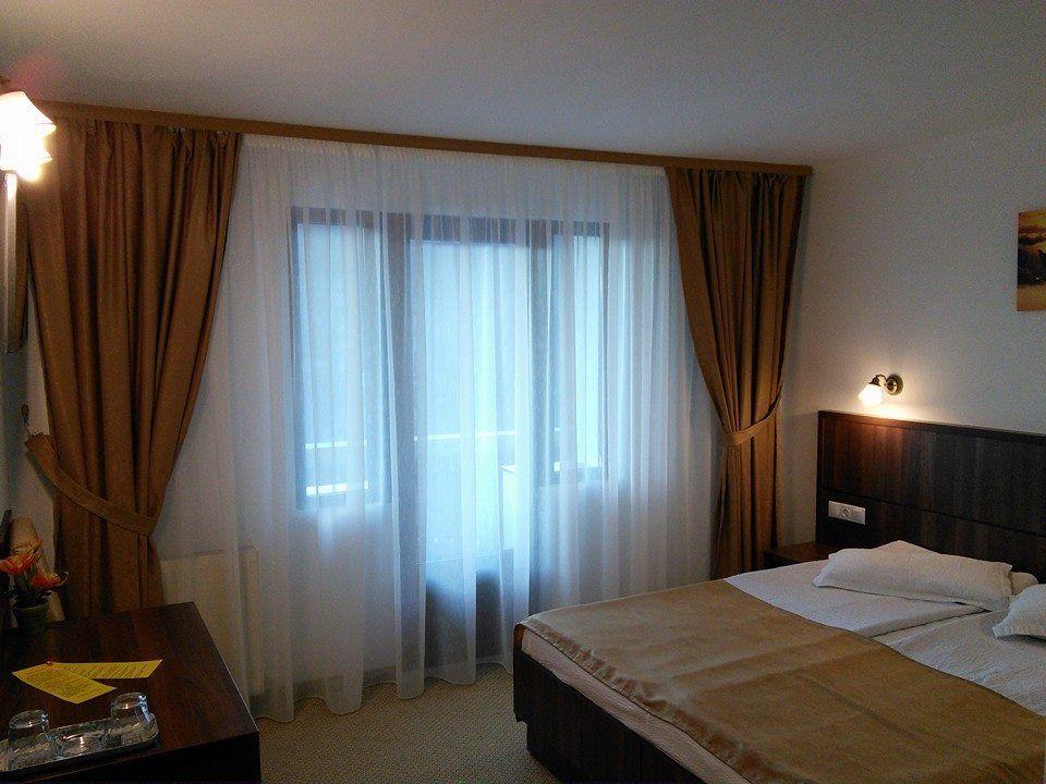 Camera dublă cu balcon, et. I și II
